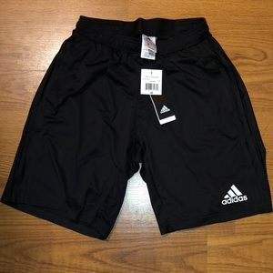 BNWT ADIDAS BOYS BLACK SHORTS SZ.M